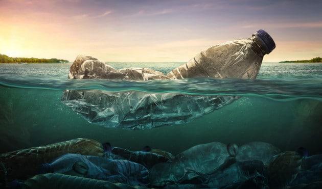 un-immagine-dell-inquinamento-da-plastica-negli-oceani.