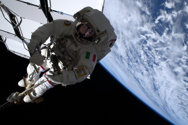 Luca Parmitano: è l'ora della terza passeggiata spaziale per l'AMS-02