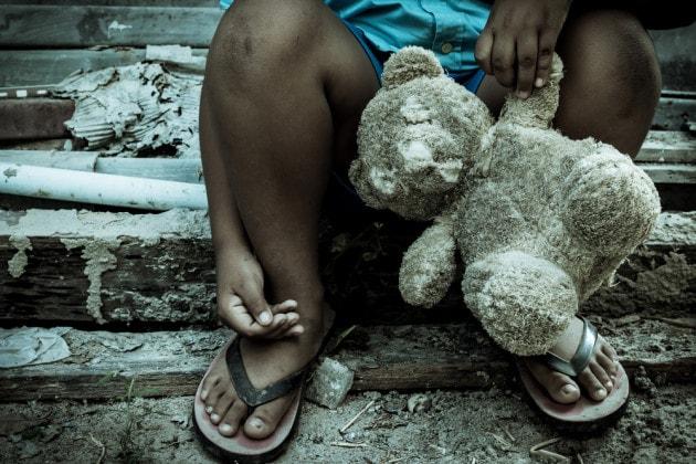 infanzia-segnata-dall-abbandono