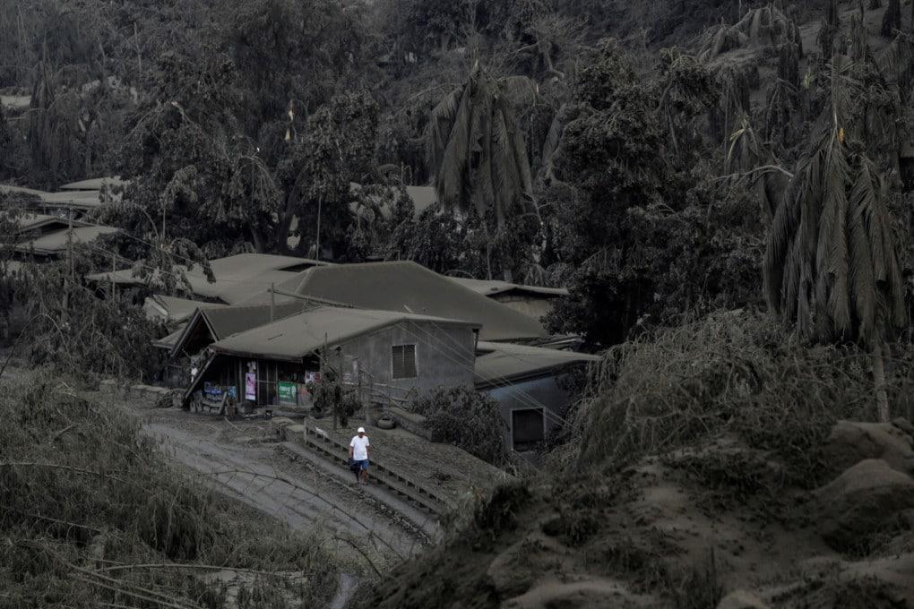 Filippine: allerta per il risveglio del vulcano Taal