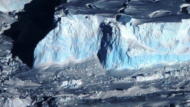 Antartide: filmate le basi di un ghiacciaio instabile