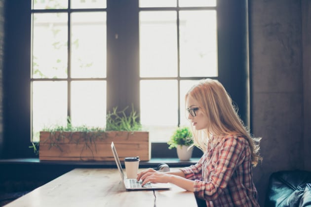 Telelavoro: i pro e i contro di lavorare da casa