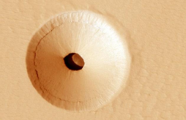 Un buco su Marte: l'ingresso per una base sul Pianeta Rosso