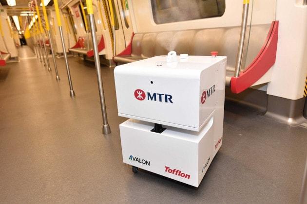 Contro il coronavirus: pulizie con i robot per la metro di Honk Kong