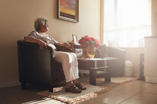 Vivere da soli ai tempi della CoViD-19: in Europa una realtà per il 28% degli over 60