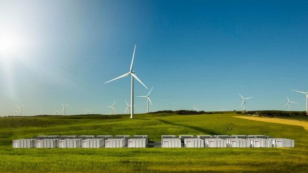 La centrale eolica di Hornsdale (Australia) con le batterie al litio installate dalla Tesla