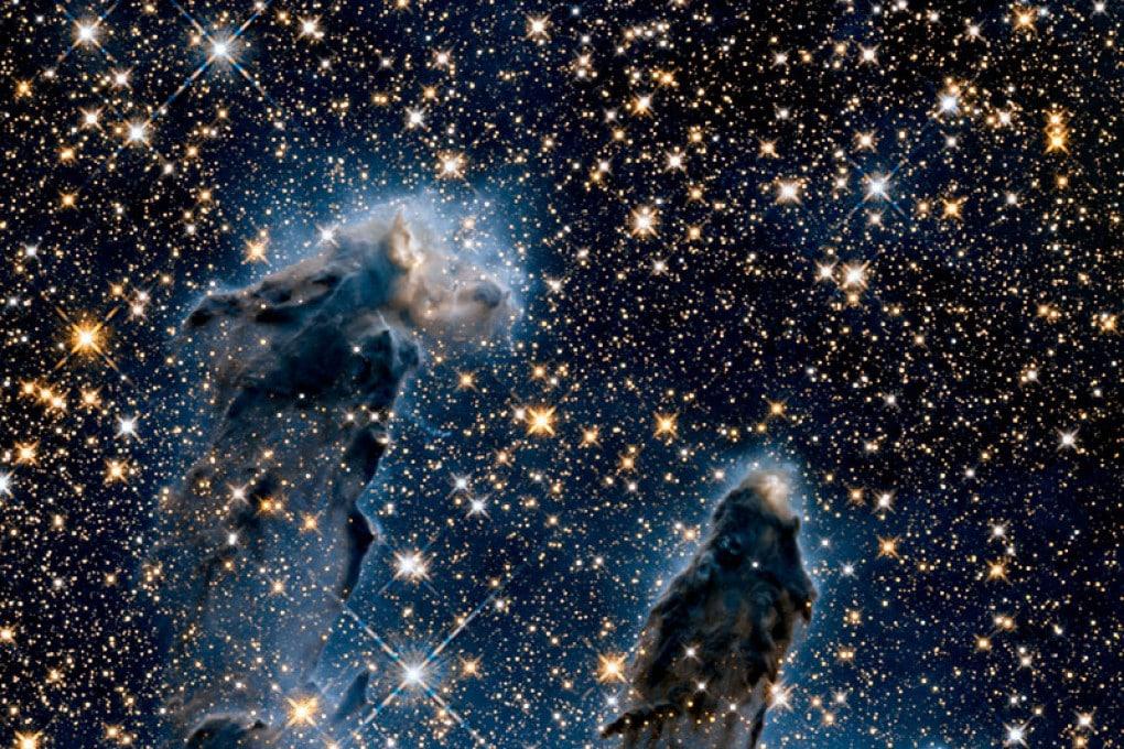 Dal telescopio spaziale Hubble: i Pilastri della Creazione all'infrarosso