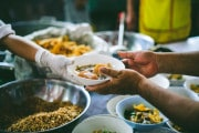 La COVID-19 potrebbe raddoppiare il numero di persone che soffrono la fame