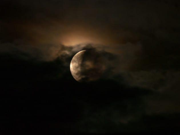 Eclissi e vulcani
