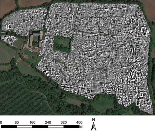 Archeologia: la pianta della città romana (illustrazione)