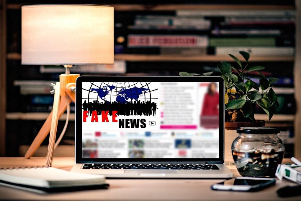 I grandi della Rete, l'Unione europea e la necessità di affilare le armi contro le fake news