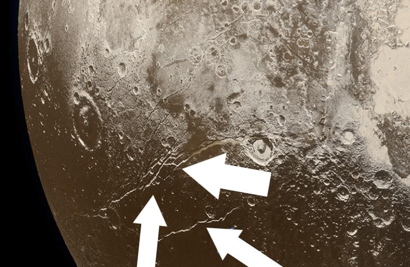 """Plutone e il suo """"caldo avvio"""" con un oceano liquido sotto la superficie"""