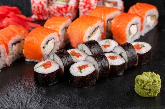 Sushi di salmone
