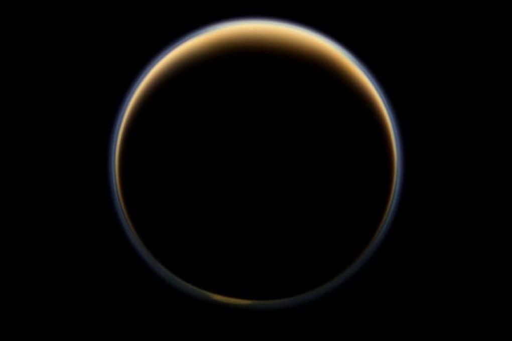 Su Titano, maggiore dei satelliti di Saturno, ci sono vulcani (forse) ancora attivi