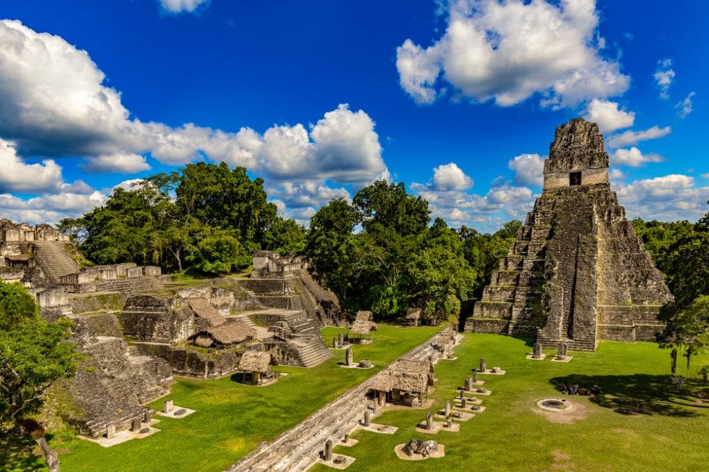 Alghe tossiche e mercurio nell'acqua furono fatali per i Maya a Tikal