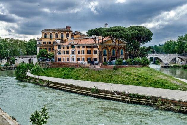 L'Ospedale Fatebenefratelli sull'Isola Tiberina, a Roma.