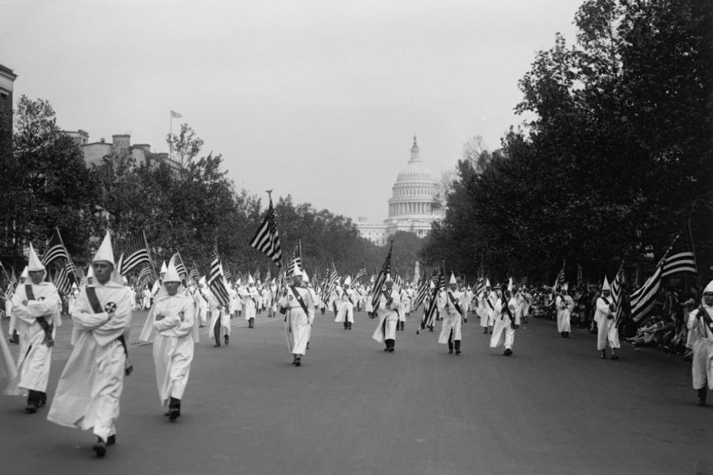 La parata del Ku Klux Klan a Washington, nel 1926.