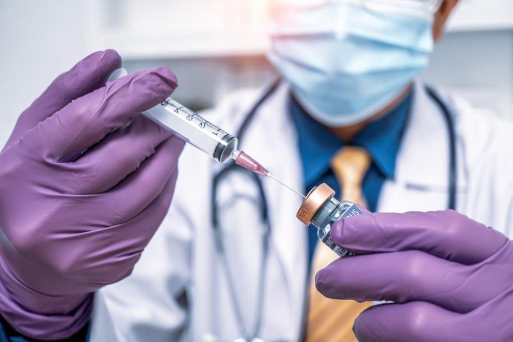 L'obiettivo a cui lavorano i ricercatori di tutto il mondo: un vaccino anti covid sicuro ed efficace.