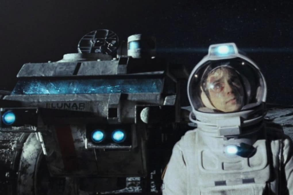 Sam Rockwell in una scena del film Moon (2009)