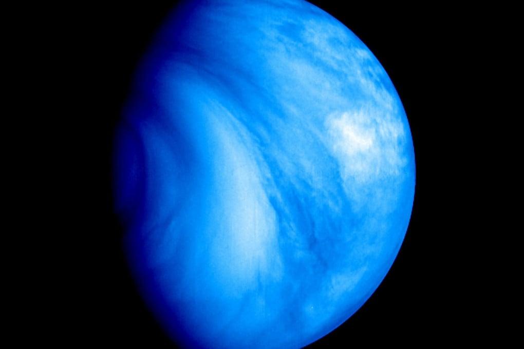 Un'immagine in falsi colori dell'atmosfera di Venere.