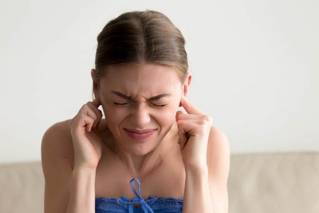Chi soffre di acufene sente rumori fastidiosi alle orecchie  che in realtà non ci sono.