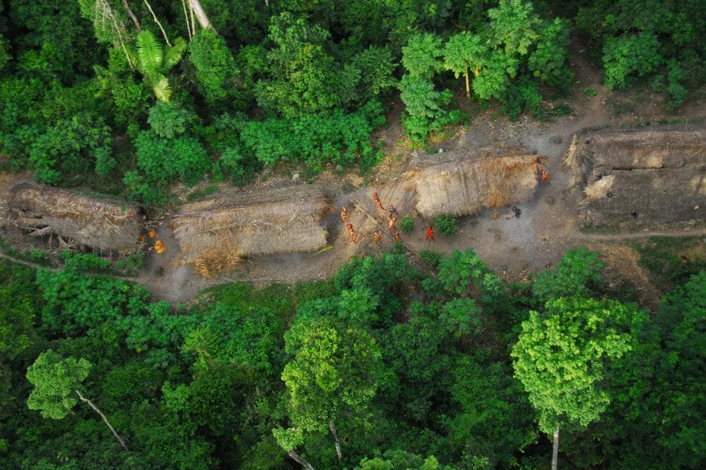 La sopravvivenza delle tribù indigene del Brasile è a rischio.