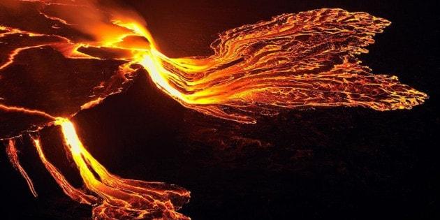 Il lago di lava del vulcano Nyiragongo: suggestivo, e potenzialmente mortale.