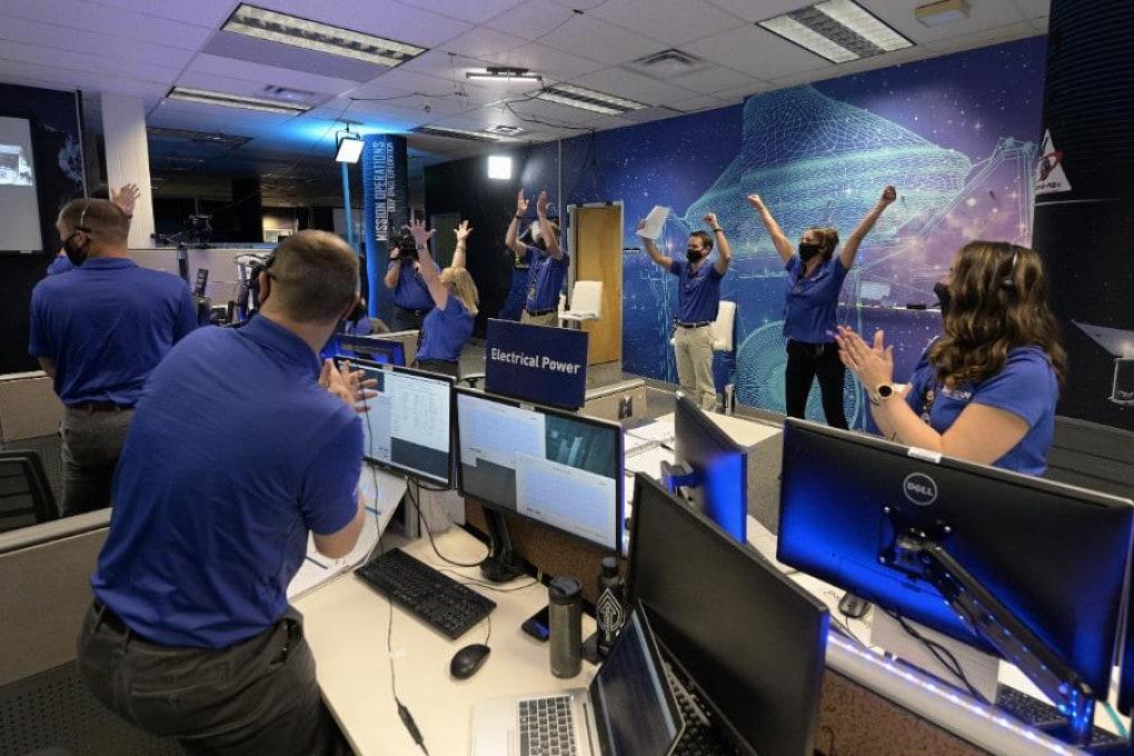 OSIRIS-REx: missione compiuta - L'esultanza al controllo di missione della NASA.