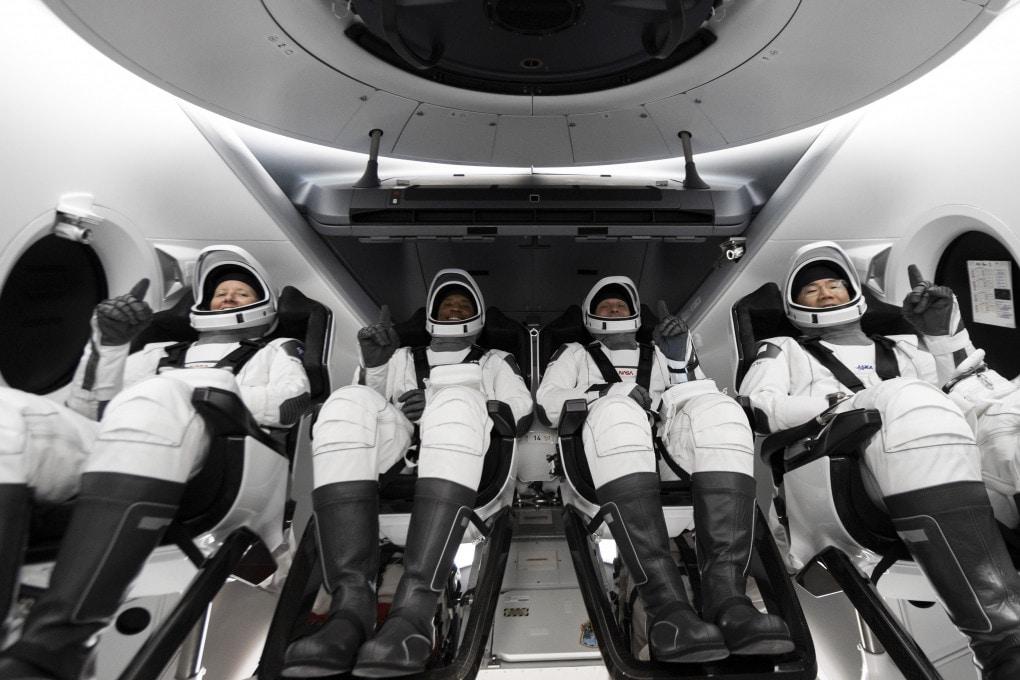 L'equipaggio della Crew Dragon Resilience.