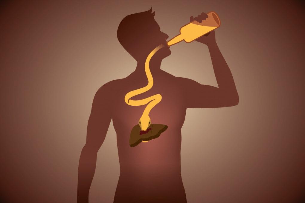 L'eccesso di alcolici provoca danni a lungo termine, ma l'intossicazione etilica richiede un intervento medico per evitare il peggio.