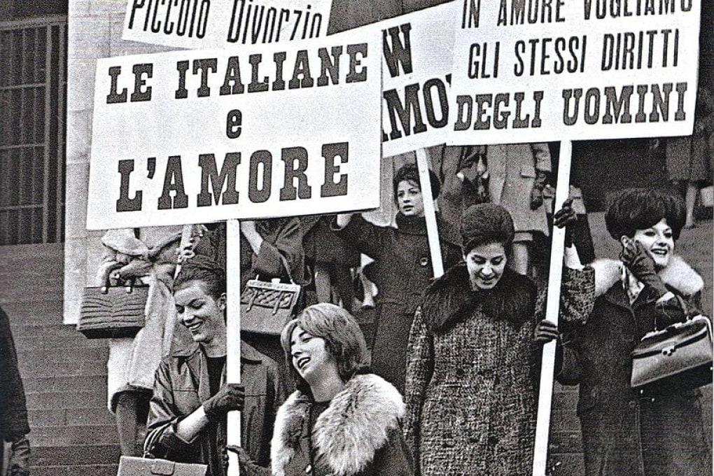 Una manifestazione per il divorzio in Italia.