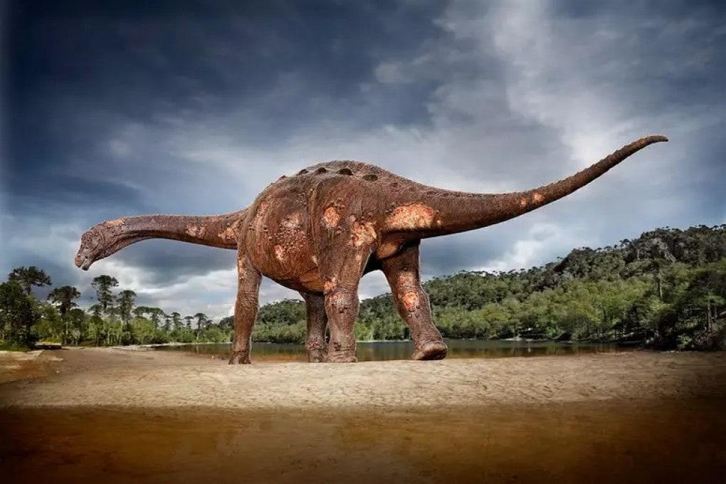 Illustrazione: un titanosauro, un gigante del Cretaceo.