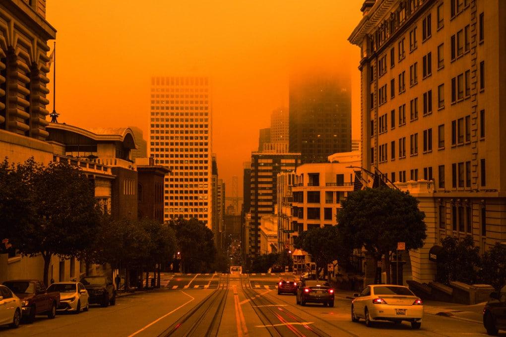 I cieli di San Francisco il 9 settembre 2020, nella peggiore stagione di incendi che la California abbia mai registrato.