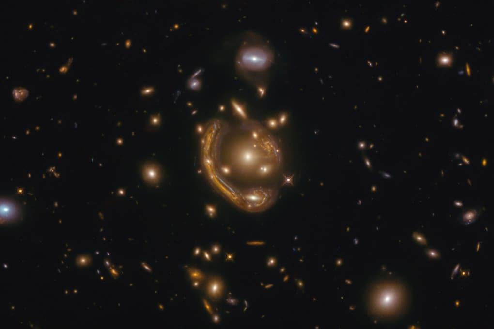 lenti gravitazionali: nella Fornace