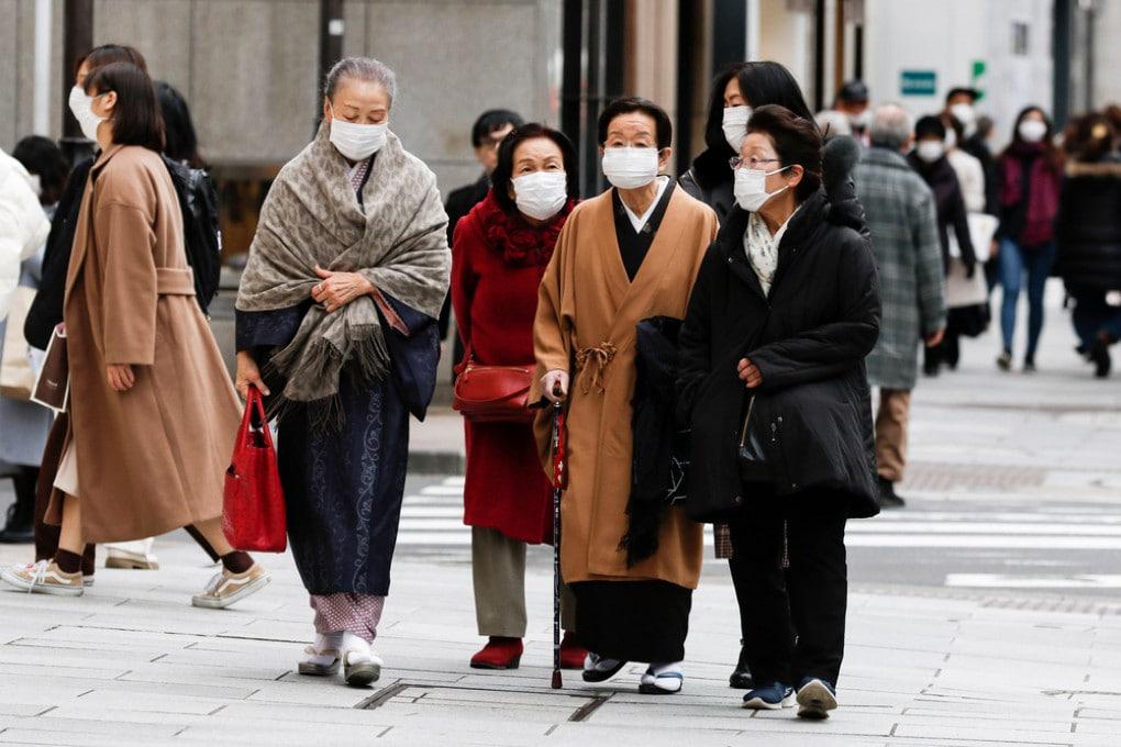 In Giappone è stato dichiarato un nuovo stato di emergenza per l'aumento dei contagi.