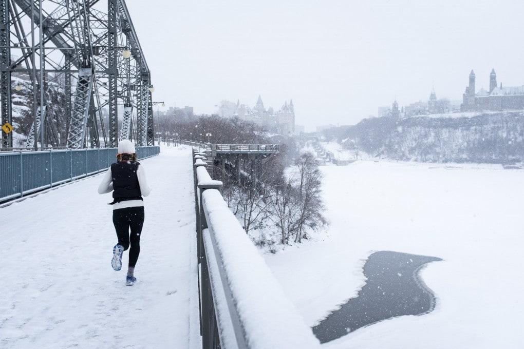 Correre al freddo mantiene in forma e più magri.