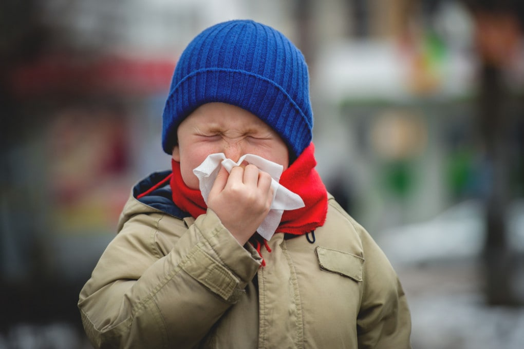 I raffreddori dell'infanzia non proteggono dal nuovo coronavirus