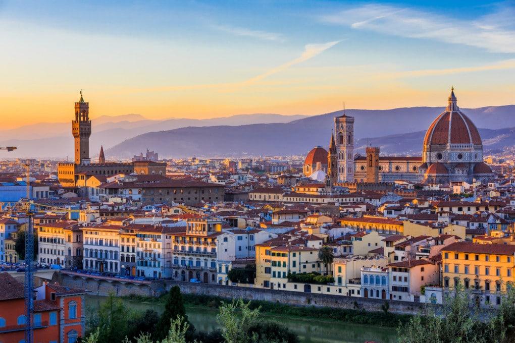Firenze,  città unica al mondo per la sua storia e le sue opere d'arte, è stata dichiarata nel 1982 Patrimonio dell'Umanità dall'UNESCO.