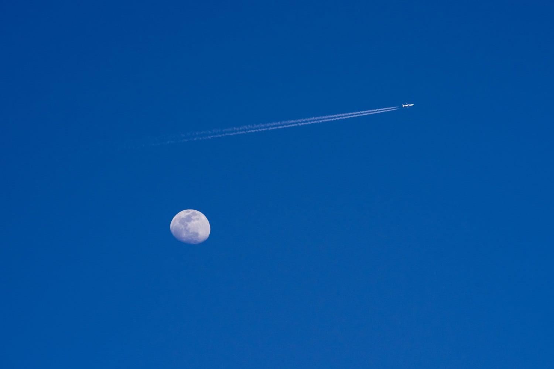 Luna e aereo