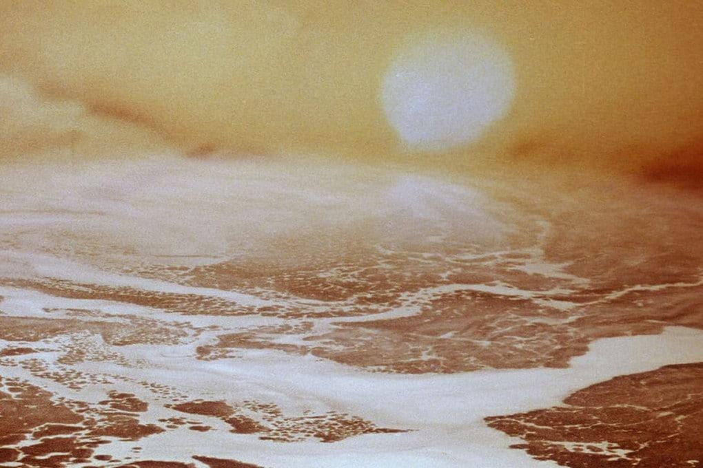 Mondi d'acqua: panoramica di Solaris, il mondo senziente inventato da Stanislaw Lem e portato sullo schermo da Andrej Tarkovskij nel 1972.