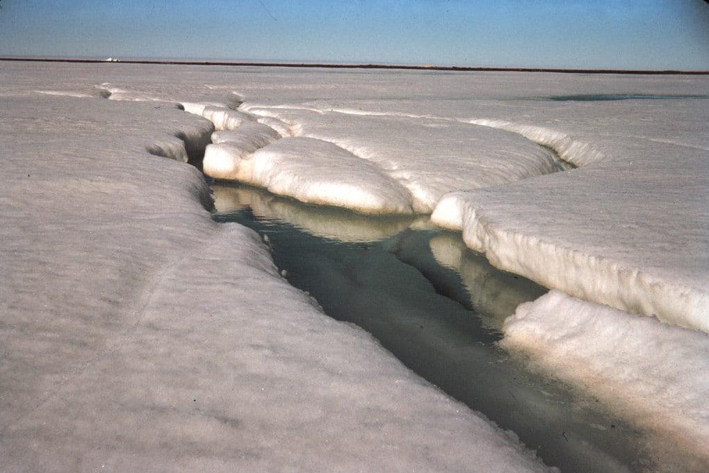 Lo scioglimento della banchisa artica è accelerato da sacche di acqua più calda (attorno ai 7 °C) in profondità.