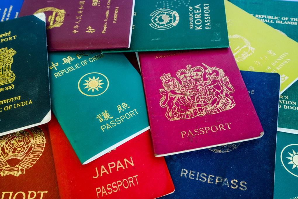 I nomi delle nazioni: qualche differenza e molte cose in comune.