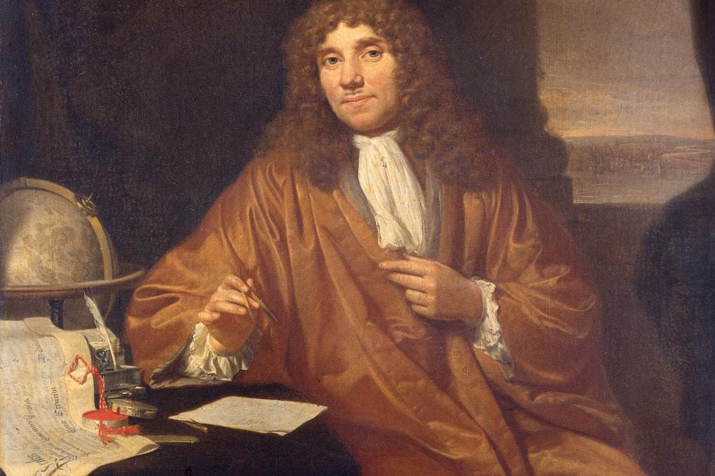 Un ritratto dell'ottico e naturalista olandese Antoni van Leeuwenhoek (1632–1723).