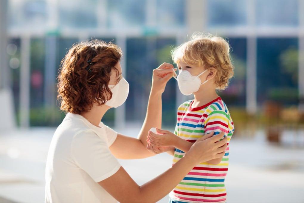 I bambini non ancora vaccinati sembrano risentire positivamente dell'immunità degli adulti.