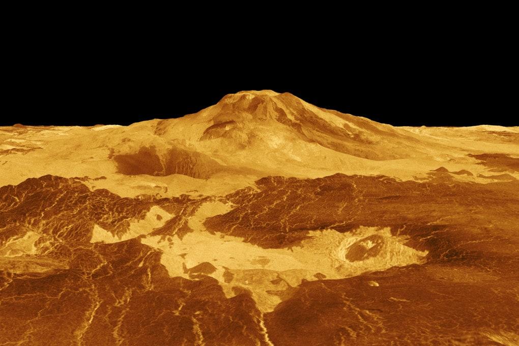 Venere, il monte Maat: elaborazione dei dati radar inviati dalla sonda Magellano il 1° agosto 1996.