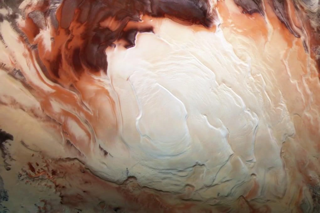 Il polo sud di Marte fotografato dalla sonda dell'ESA Mars Express.