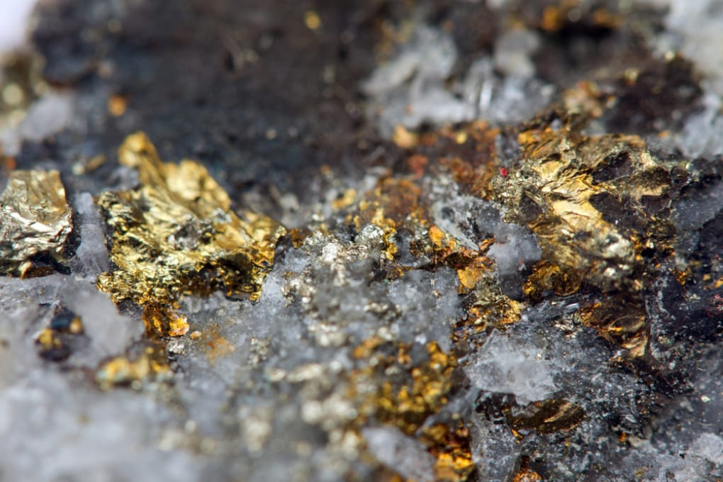 Oro in minerali