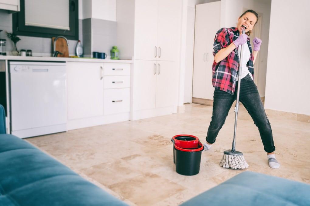 Se vi piace pulire casa, godetevi pure l'igiene: non ci sono rischi per la salute.