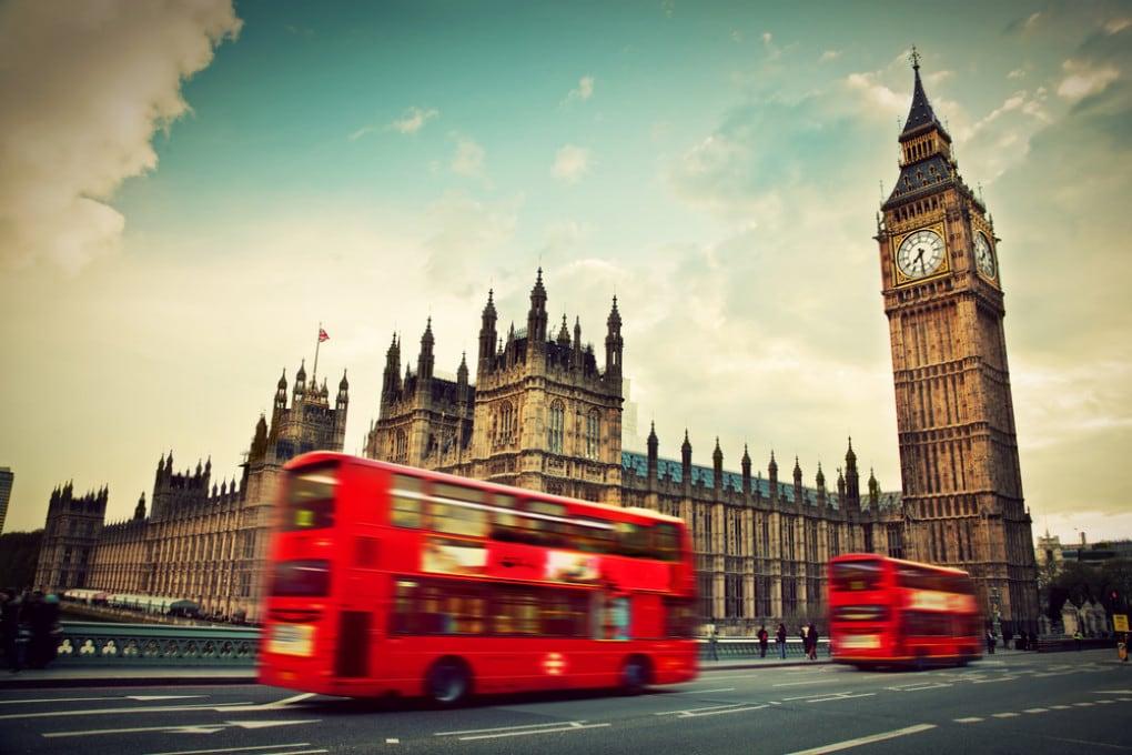 Covid nel Regno Unito: i rischi delle riaperture indiscriminate