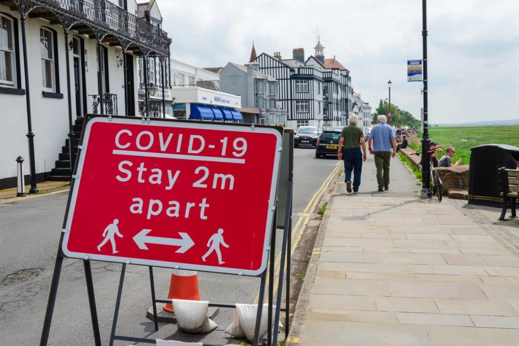 Covid nel Regno Unito: dopo l'allarme per la nuova ondata, un deciso calo dei nuovi casi.